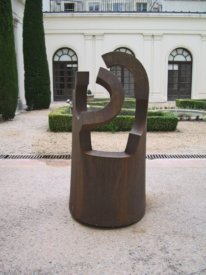 Stèle à Goethe (Eduardo Chillida)